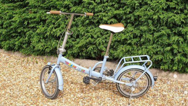 Roadrunner Folding Bicycle Iconic Fold-Up Bike Designed By Wayne Hemingway