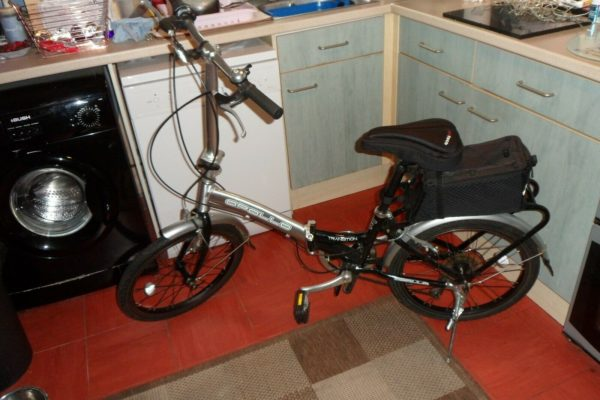 Apollo Transition Unisex Folding Bike 6 Speed VGC