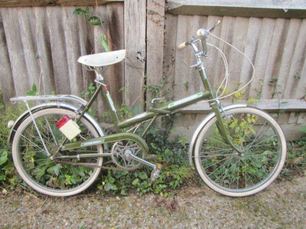 """Vintage Raleigh Stowaway Folding Bike -20"""" Tyres"""