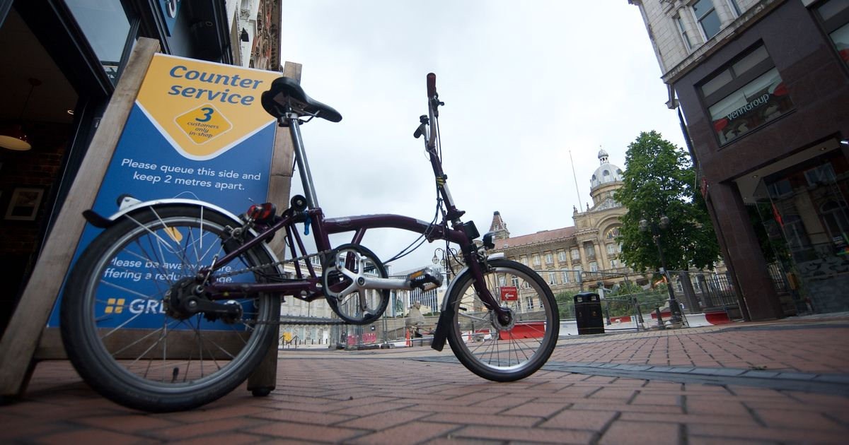 Watch as we hire a Brompton folding bicycle to ride around Birmingham city centre - Birmingham Live