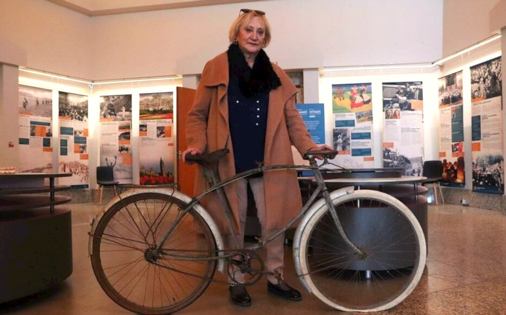 Museum acquires folding bicycle used during the Battle of Normandy in 1944 - moosejawtoday.com